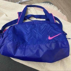 Nike C72 Legend 2.0 Medium Duffel Bag BA4653